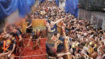 La Tomatina - Tomato fight festival